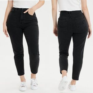 New American Eagle Outfitters High Rise Mom Jeans